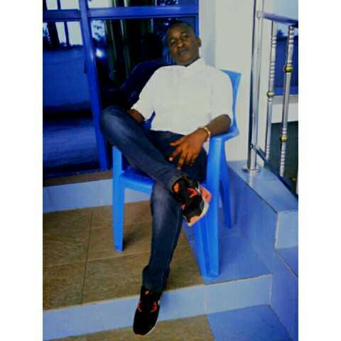Eze Samuel ofils avatar picture
